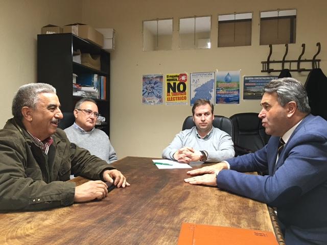 Foto: Reunión con la Comunidad de Regantes del Canal Bajo del Alberche del pasado 20 de febrero.
