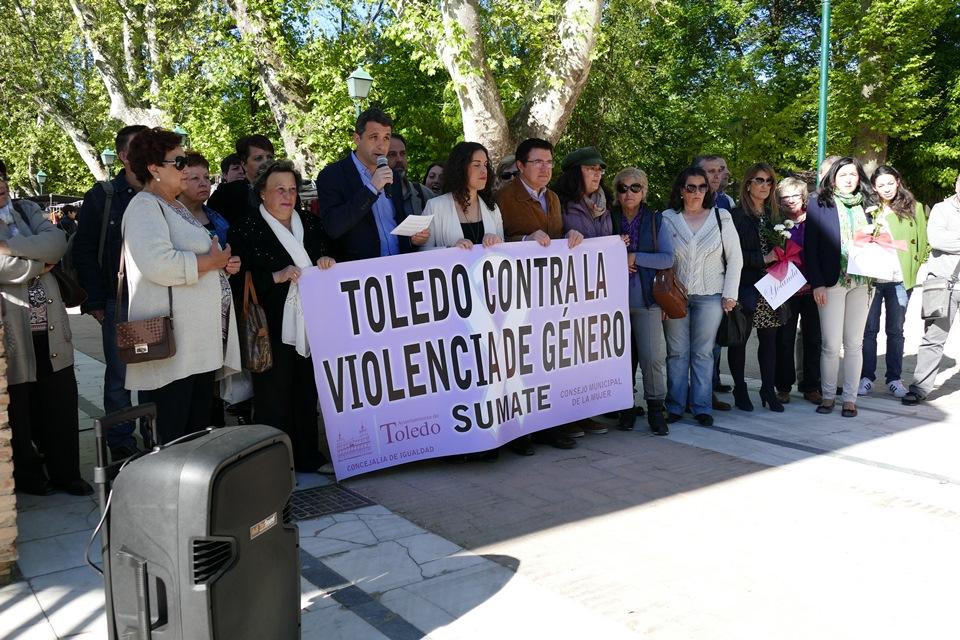 """Esteban Paños: """"no podemos conformarnos; hay que dejar de guardar silencio y dar voz, apoyo y recursos a las víctimas de la violencia género"""""""