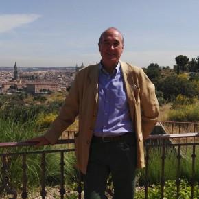 """Antonio Santolaya: """"Apuesto por recorrer provincia y aportar experiencia para devolver un tiempo de acuerdo a España"""""""