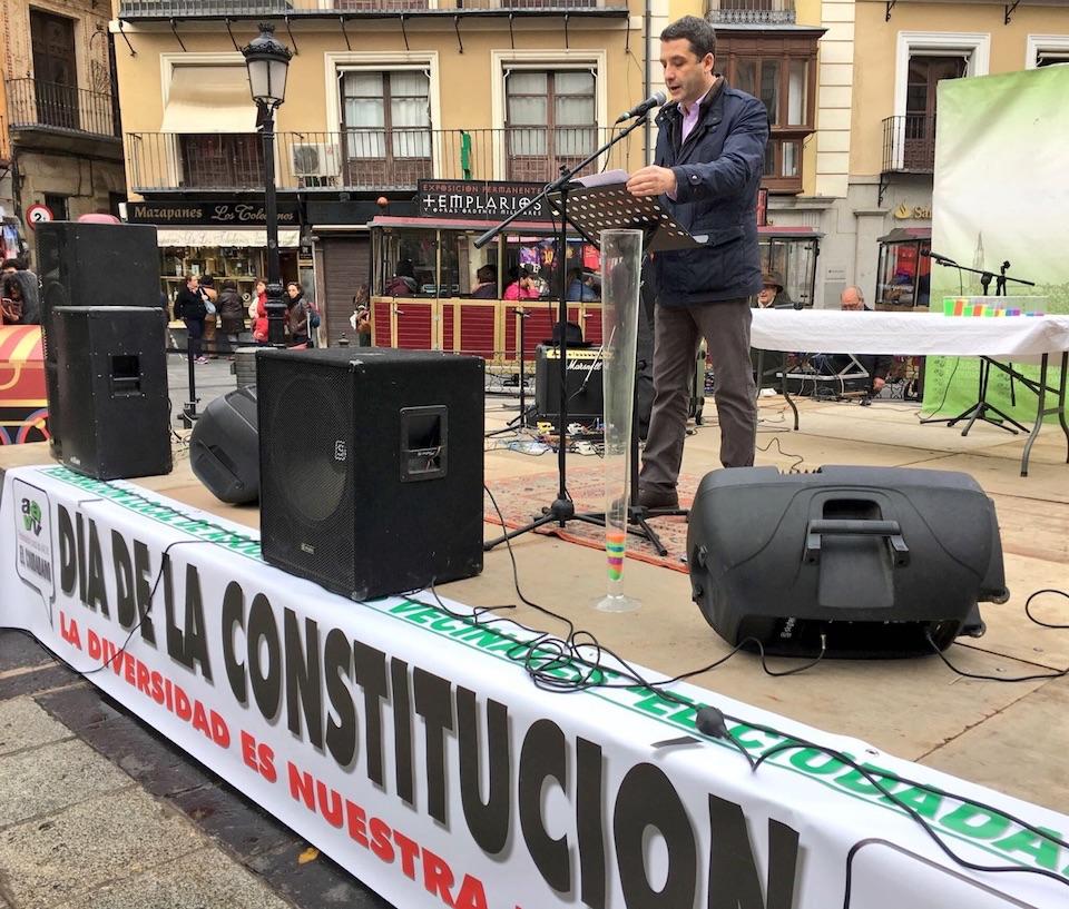 Esteban Paños celebra el día de las Constitución participando en los actos organizados por la Federación de las Asociaciones de Vecinos de Toledo