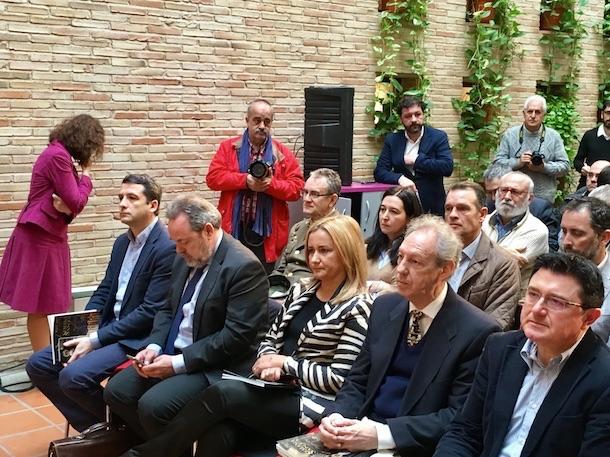 Los concejales de Cs Araceli de la Calle y Esteban Paños asisten a la presentación el programa oficial de la Semana Santa en Toledo
