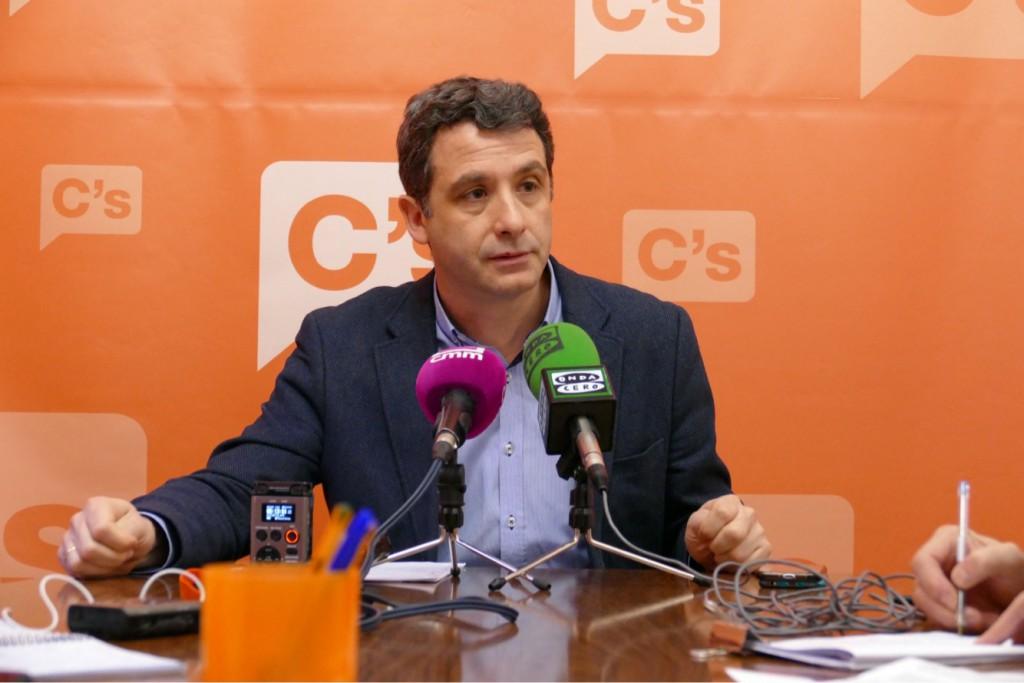 """Esteban Paños: """"de nuevo, tres consejos de participación en la misma tarde; eso es negar la participación"""""""