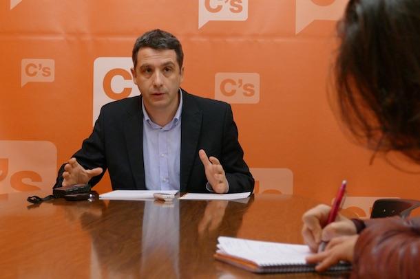 """Esteban Paños: """"Las dudas sobre la continuidad del contrato entre el Rojas y el Palacio de Congresos ponen en peligro la programación para 2018"""""""