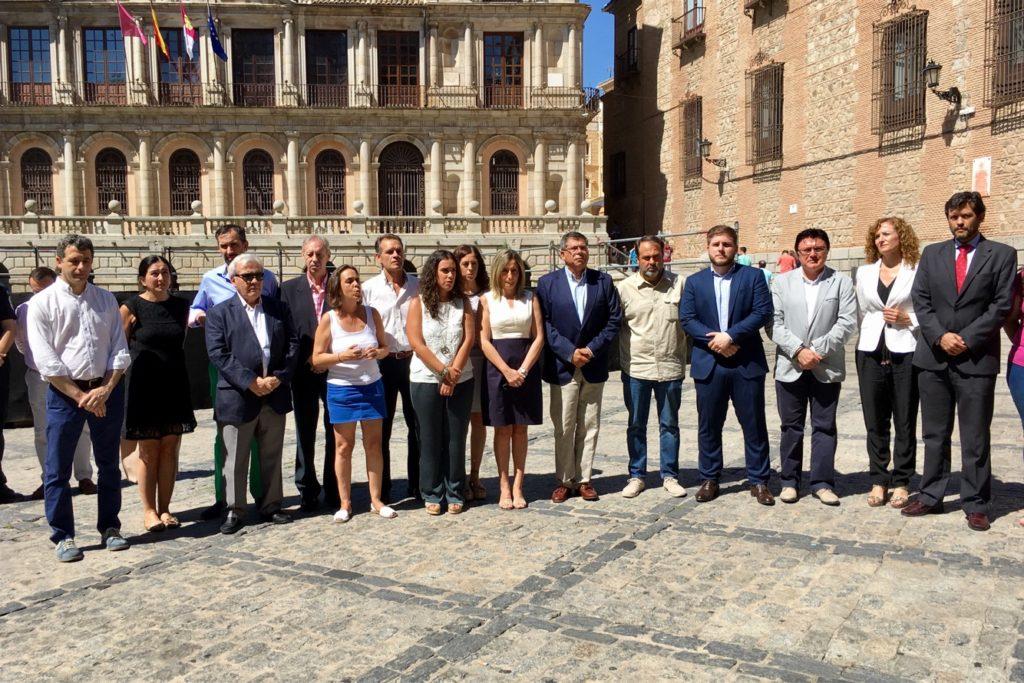 Esteban Paños y Araceli de la Calle participan en la concentración en memoria de Miguel Ángel Blanco y todas la víctimas del terrorismo