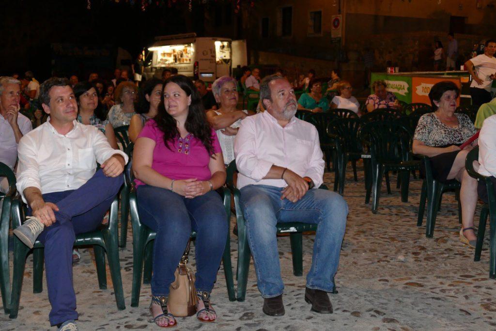 Esteban Paños, en la inauguración de las fiestas de La Cornisa