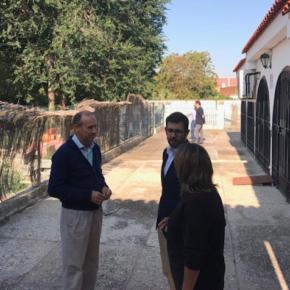 El diputado provincial, Luis Martín, se ha comprometido a apoyar la construcción de un salón multiusos en Arcicóllar