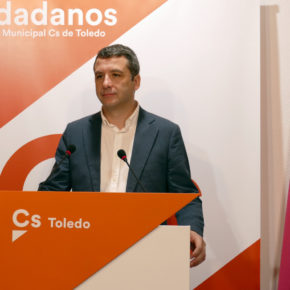 """Esteban Paños: """"Cada vez hay más descontento con el servicio de bus urbano y ese es el gran problema que tiene que atajar el equipo de gobierno"""""""