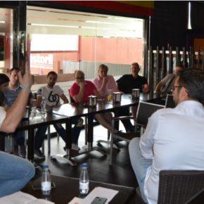 Cs Talavera celebra un café informativo sobre economía y empleo