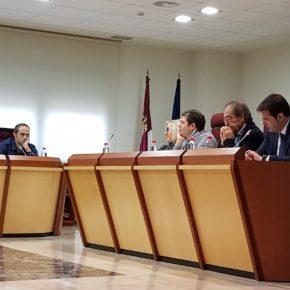 """Raúl Casla: """"Consideramos que el Ayuntamiento debe plantear nuevos proyectos, como es la construcción de un nuevo auditorio, pero sin desatender otros servicios como puede ser la inversión en la mejora del transporte urbano"""""""